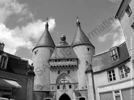 Photo numérique - L'image d'origine : la porte de la Graffe à Nancy