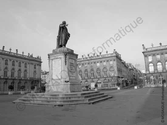 Tutoriel photo numérique - La Place Stanislas (avant sa réfection) : la quantité de bruit sur la photographie est très faible - MOSAIQUE Informatique - Nancy - Formations bureautiques